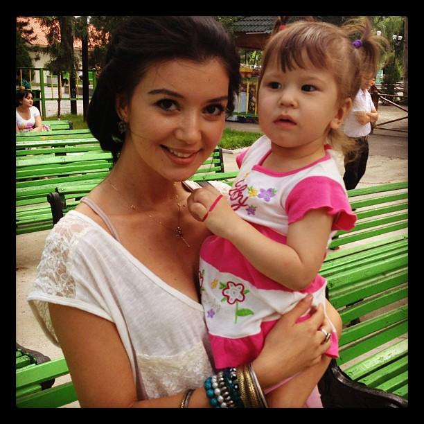 Шахзода Матчанова и Динейра на встрече с фанклубами